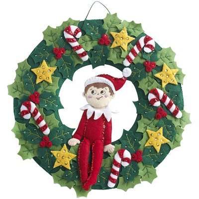 Elf On The Shelf Scout Elf Wreath,86510,Bucilla