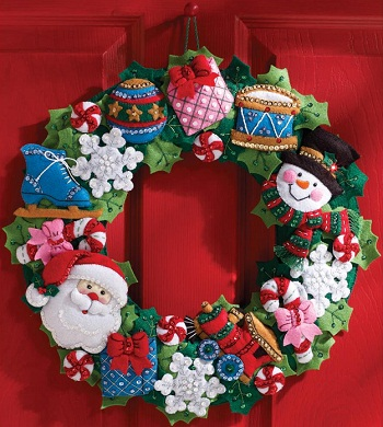 Christmas toys wreath by Bucilla