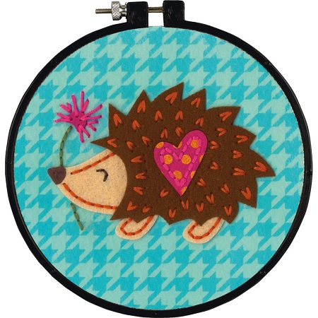 Dimensions/Learn-A-Craft Felt Applique Kit 6 Round-HEDGEHOG