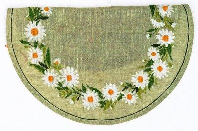 Daisy Wreath by Eva Rosenstand
