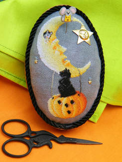 Blackberry Lane Designs Boo Moon