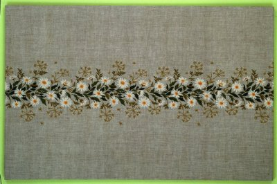 Eva Rosenstand Daisy Table runner