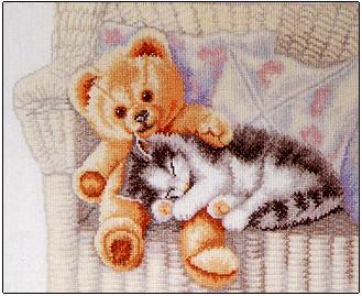 Teddy bear and kitten by Permin