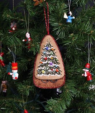 The Victoria Sampler Gingerbread Scissors Keep Ornament