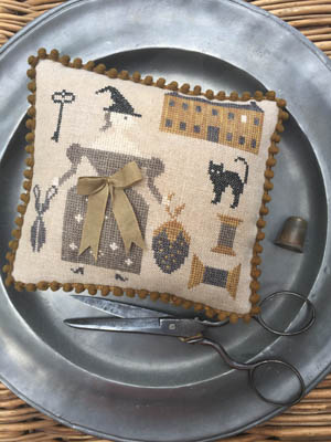Stacy Nash Primitives Goode Stitching Witch Pinkeep