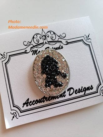 Needle minder SHERLOCK by Accoutrement Designs