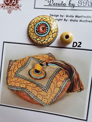 Giulia Punti Antici Majolica beads for Deruta 2 biscornu