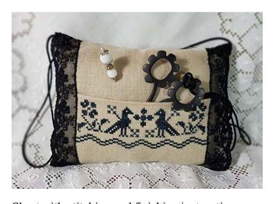 Black Elegance pincushion and scissors case by Giulia Punti Antichi