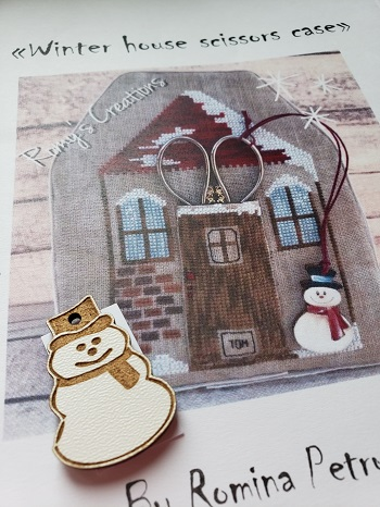Winter House scissors case by Romy's Creations