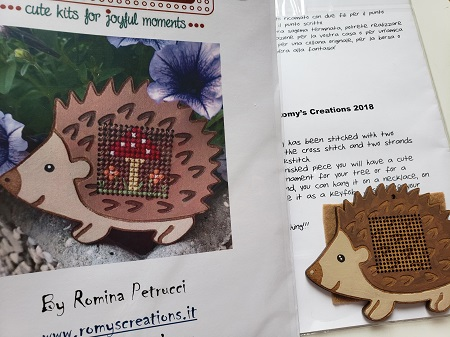 Romy's Creations Stitch in wood Hedgehog