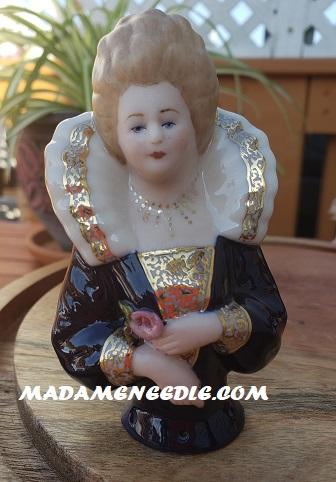 PORCELAINE DOLL-LADY MACBETH