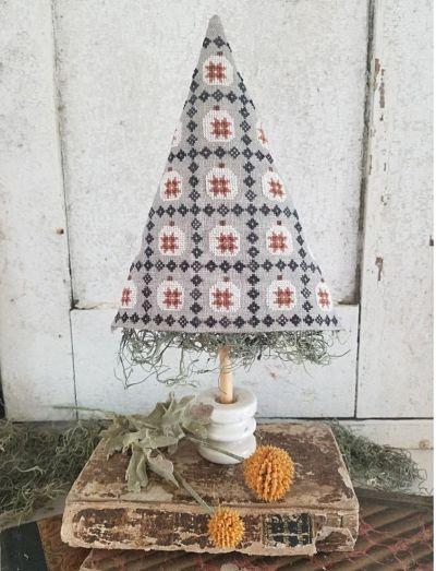 Hello from Liz Matthews Pumpkin quilt Tree