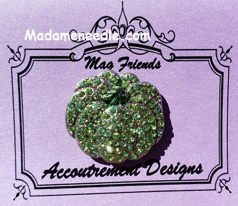 Green pumpkin needle minder by Accoutrement Designs