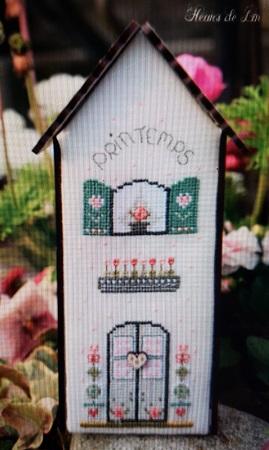 The Bee Company Fleurs de Lin birdhouse