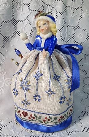 Giulia Punti Antichi Snow Capodimonte pincushion doll