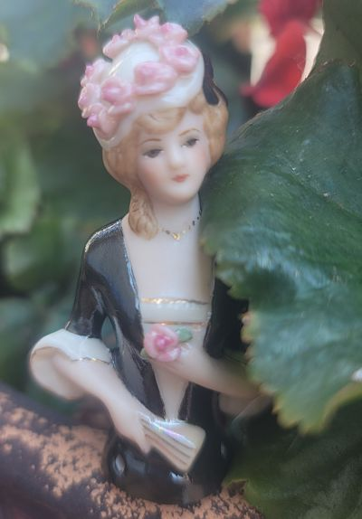 PORCELAIN HALF DOLL Roses hat