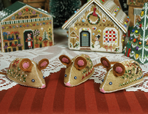 Gingerbread Mice by The Victoria Sampler