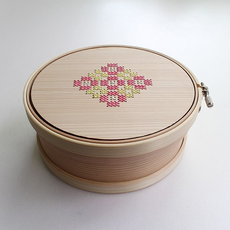 Magewappa Embroidery Hoop Toolbox (Yellow & Pink 15cm) by Cohana