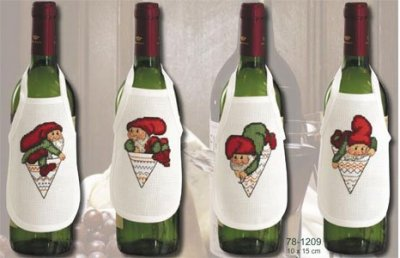Christmas bottle apreons by Permin