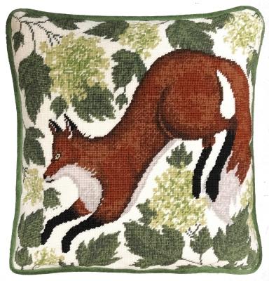 Bothy Threads BTTAP2 Spring Fox Pillow - Caroline Rowe