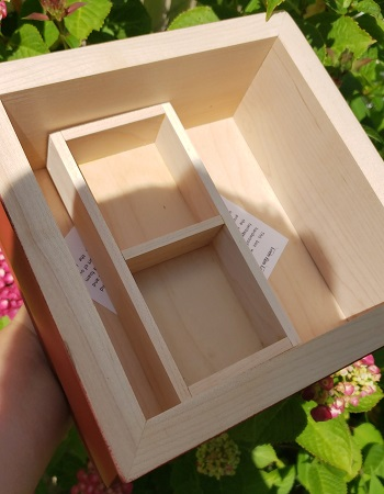 "Queen Crown Box 8"""