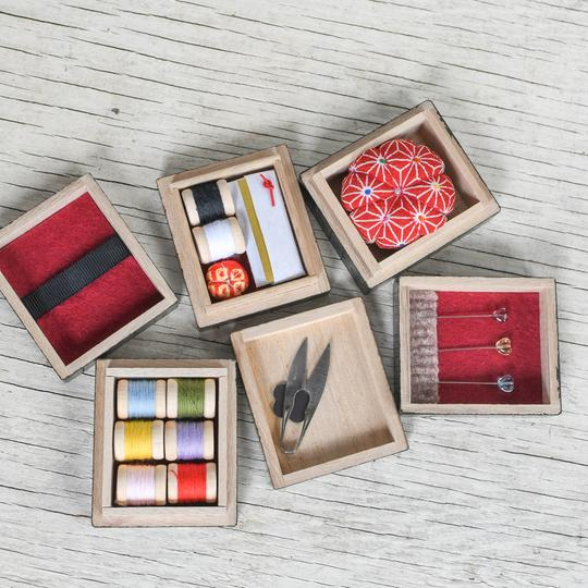 HIRO TRIPLE LACQUER SEWING BOX