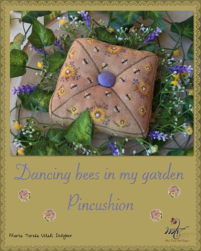Dancing bees on my Garden by MTV Designs