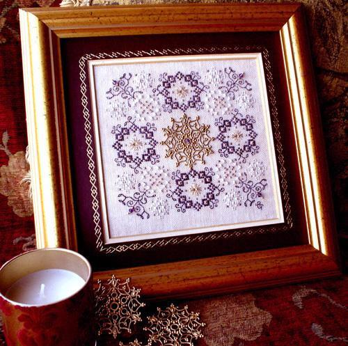 Heirloom Embroideries Charmed Christmas