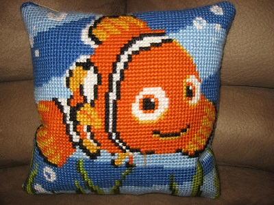 "Hand-stitched cushion ""Nemo"" by Vervaco"