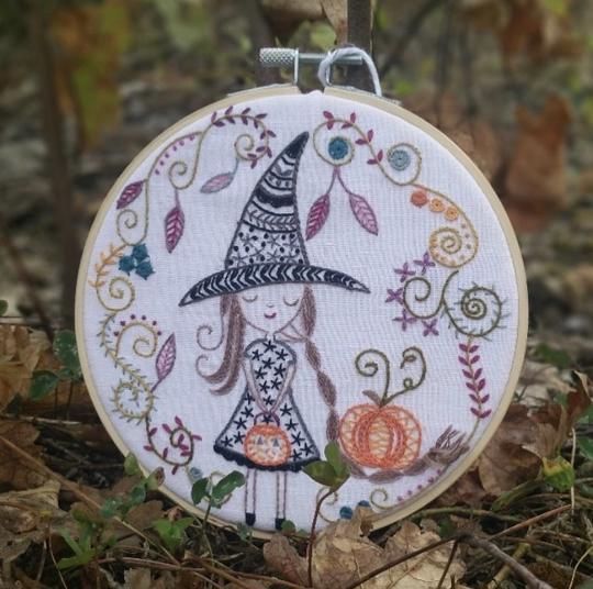 Un Chat Dans L'alguille Little Witch embroidery kit