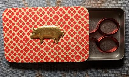 Madame Needle Piggy needle box