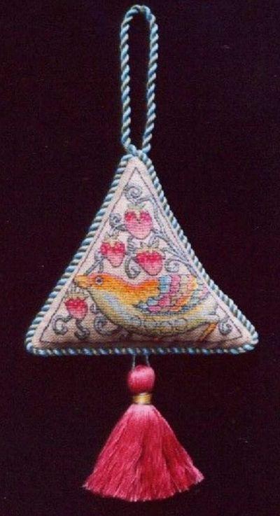 Nostalgic Needle Strawberry Thief Ornamental