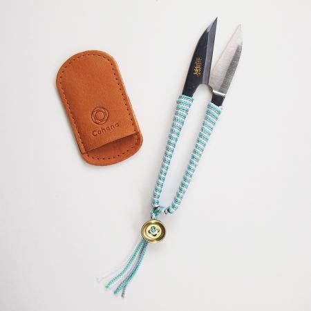 Shozaburo Thread Snips with Silk Iga Braid (Green)