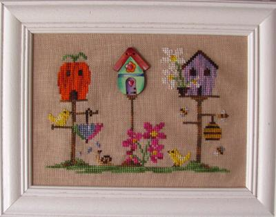 Spring Birdhouse (chart and button) MDD-SPRBWB by Mani di Donna