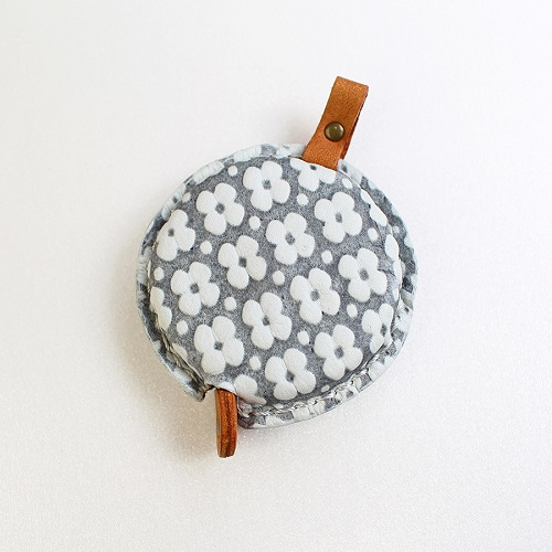 Tape Measure of Yuzen Leather (Gray)