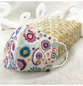 Un Chat Dans L'alguille Embroidery mask kit