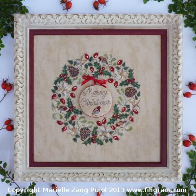 Filigram Robin's Christmas Wreath,A71
