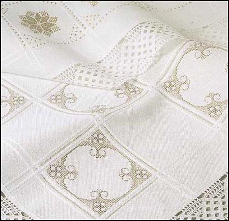 ZWEIGART Anne Cloth Afghan