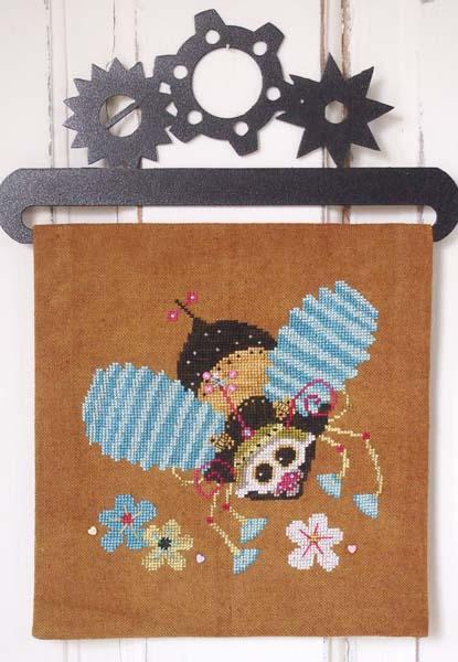 Steampunk Bumble Bee by Samsarah Design Studio