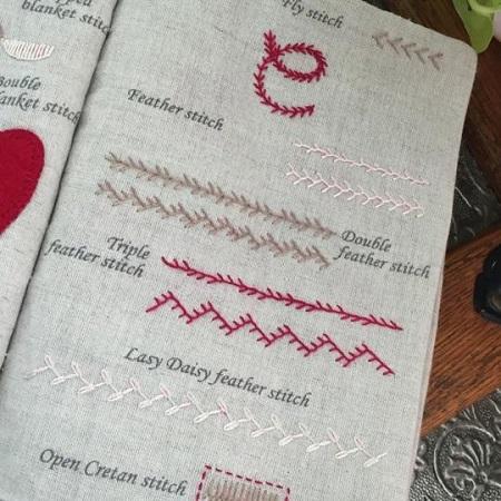 Un Chat Dans L'alguille Embroidery workbook sampler kit