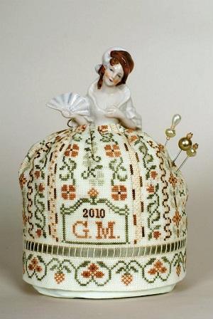 A Flapper Doll Pincushion by Giulia Punti Antichi