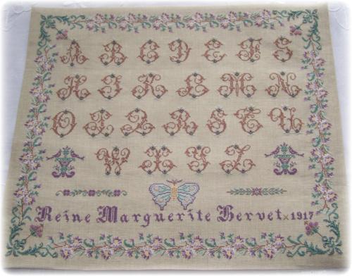 Reine Marguerite by Reflets de Soie
