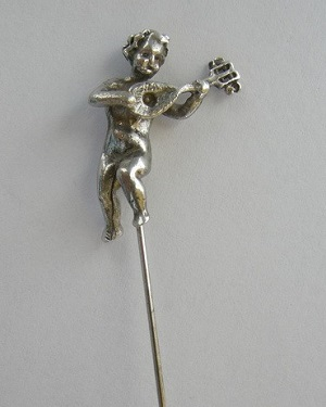 Angel with Luthe Silver pin
